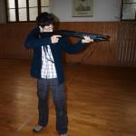 Ušák testuje střelnici