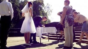 Ženich se právě upsal nevěstě