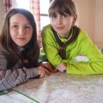 Verča a Malina s mapou