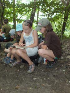 ...i splnit úkoly, kterté si na nás vymyslel Želvičkův kumpán. Pěkně jsme ho přelstily.